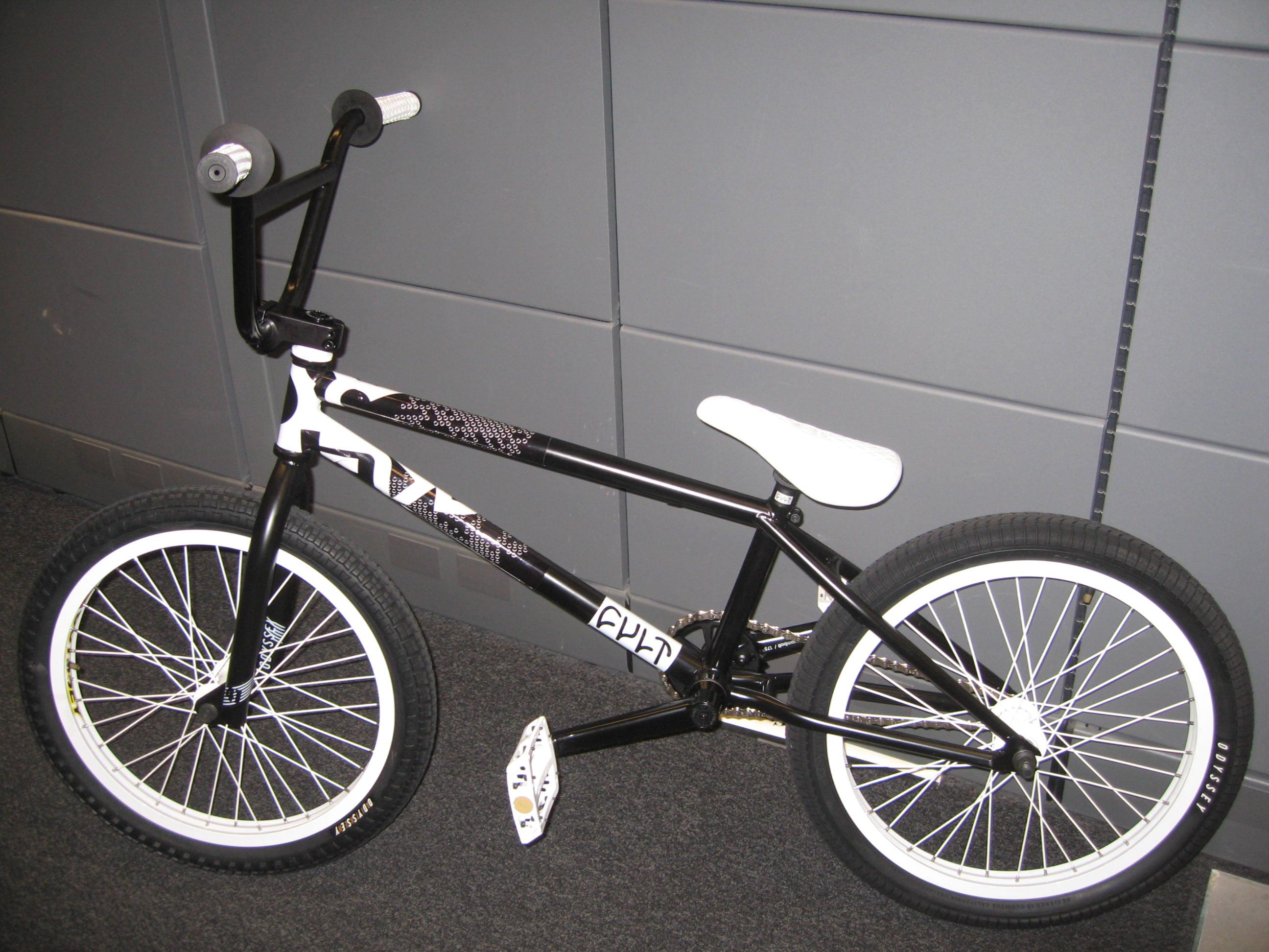 oakley bikes